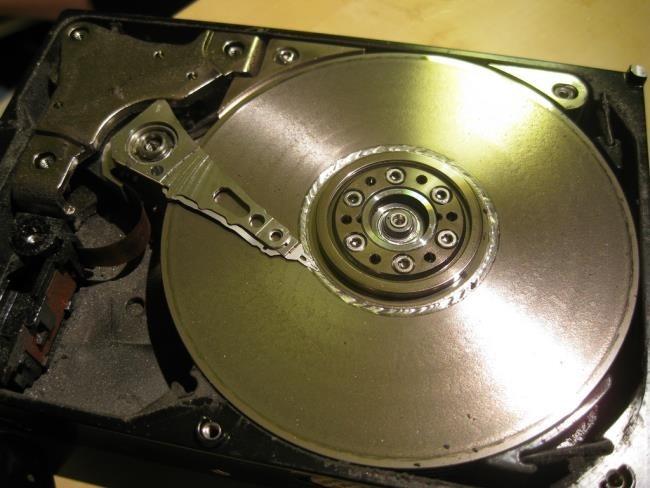 آزمون شناسایی بدسکتور و بدسکتور گیری هارد دیسک